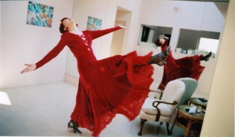 2005 12 20 Patricia dancing 1
